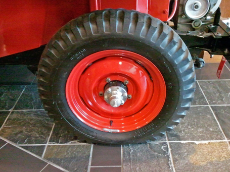 WARN Willys CJ2a wheel with hub