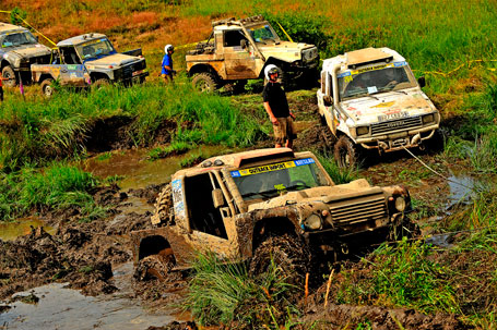 stuck vehicles at the Breslau Rally